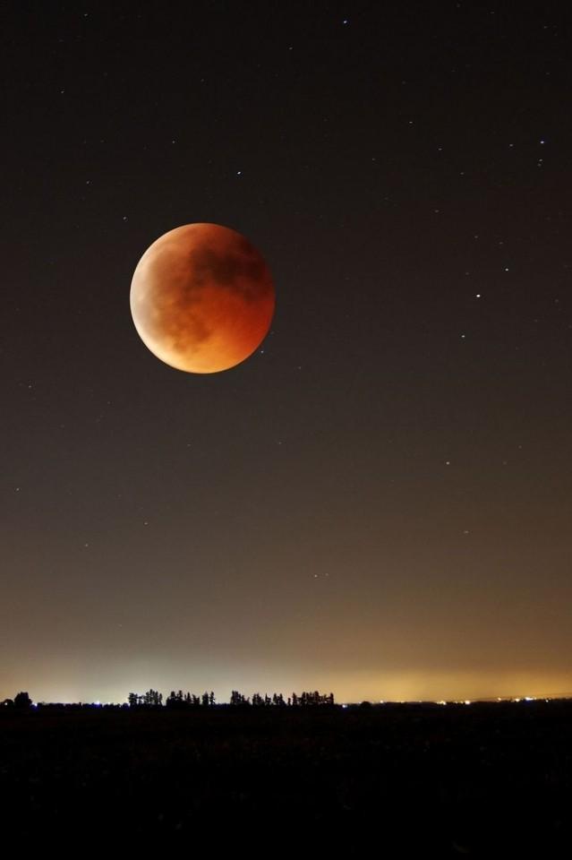 ¡Feliz ECLIPSE Lunar en ARIES, este 8 de Octubre, 2014!