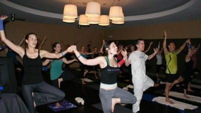b2ap3_thumbnail_karaoke-yoga1.jpg